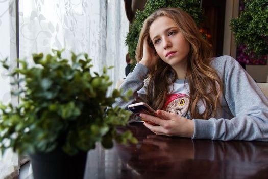 girl-1848477__480.jpg